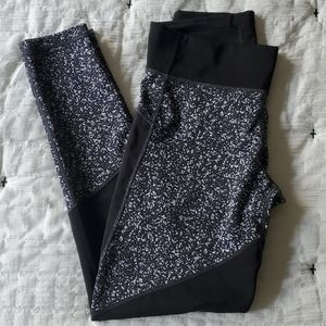 Adidas workout pants size M [0420]